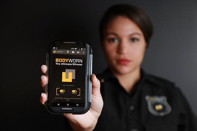 bodyworn-794100_640